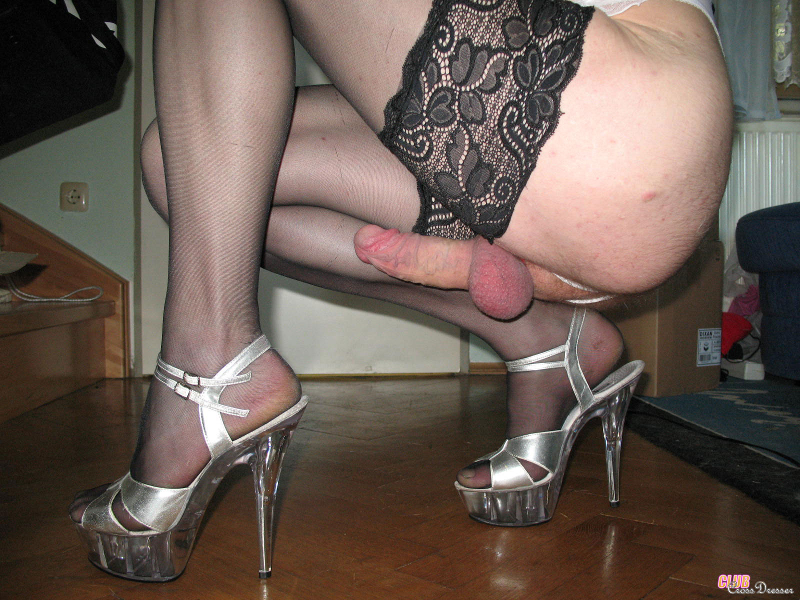 older crossdressers showing cock pics